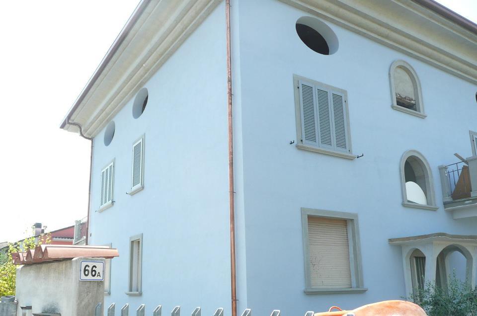 Rifacimento facciate seriate lussana colore emozione - Facciata casa colori ...